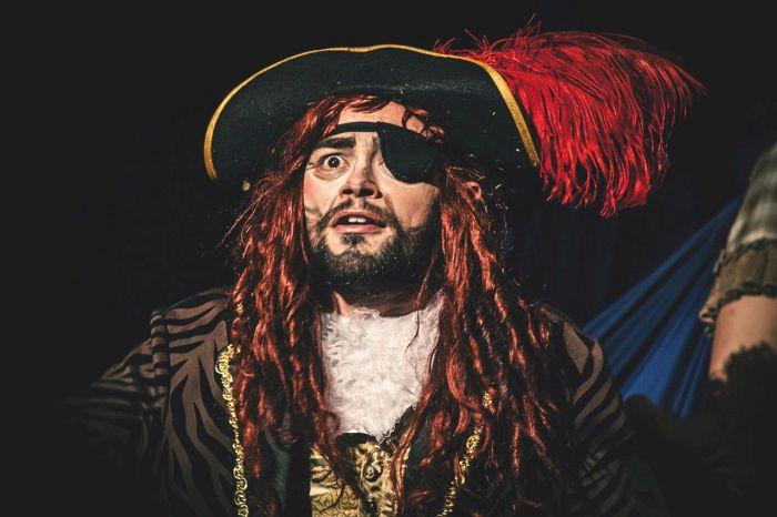 """Peter Pan no Festival de Teatro Infantil """"Era uma vez...eram duas, eram três"""