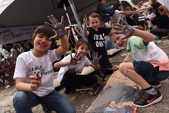 Pintando na Calçada resgata tradição curitibana