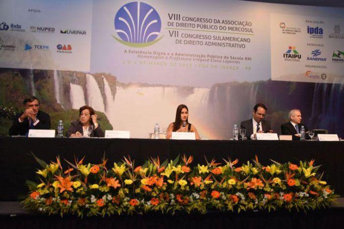 Debates sobre processos coletivos e interesse público se destacam em congressos do IPDA