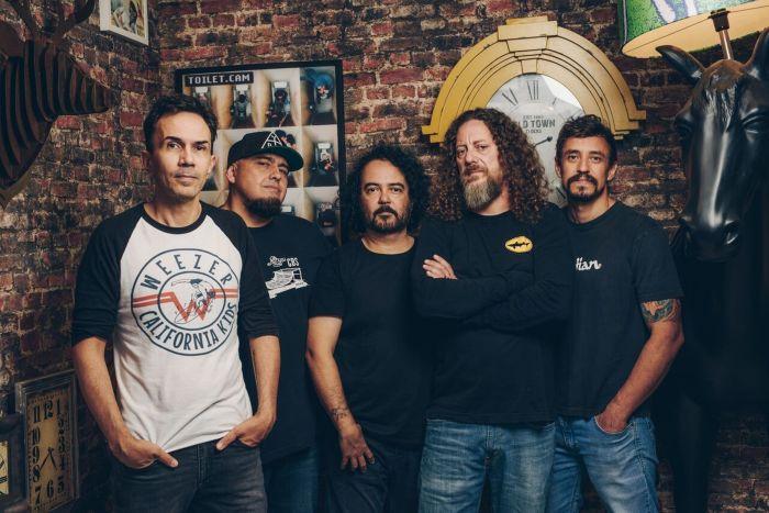 Raimundo celebra 25 anos do disco de estreia em Curitiba
