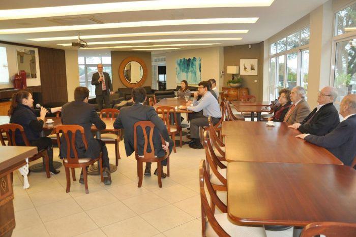 Associados e diretoria da APEP se reúnem em Assembleia Geral