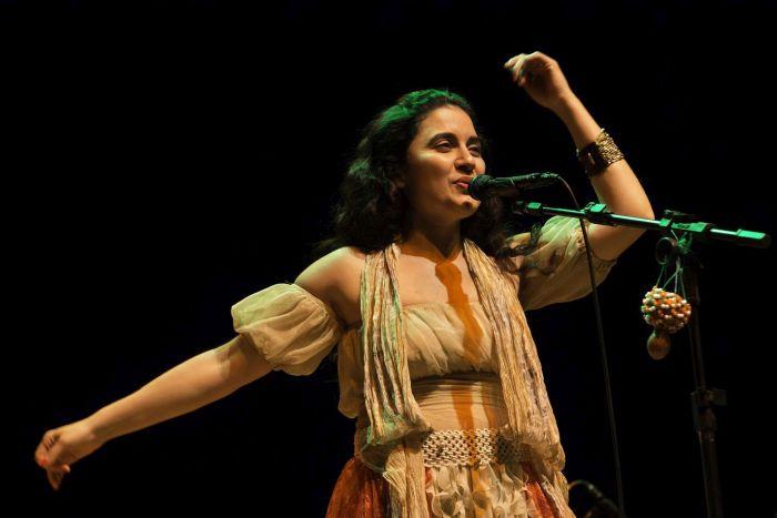 Projeto Samba de Bamba apresenta Ana Paula Silva