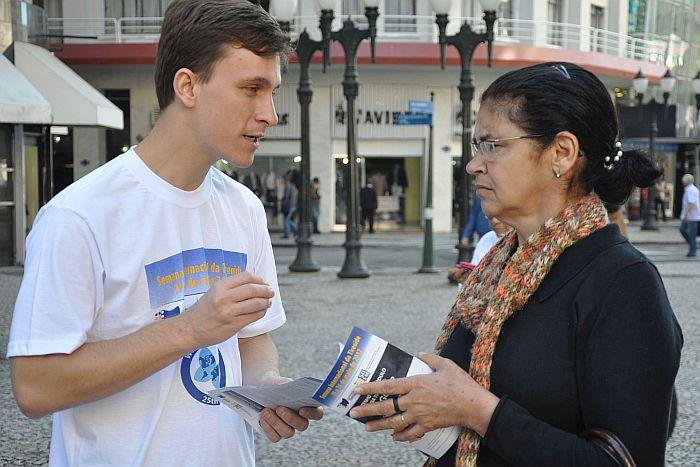 SBEM-PR alerta sobre riscos de nódulo da tireoide em campanha na Boca Maldita