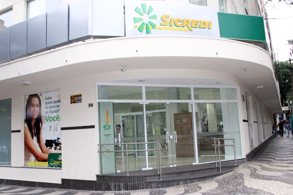 Sicredi leva cooperativismo aos grandes centros