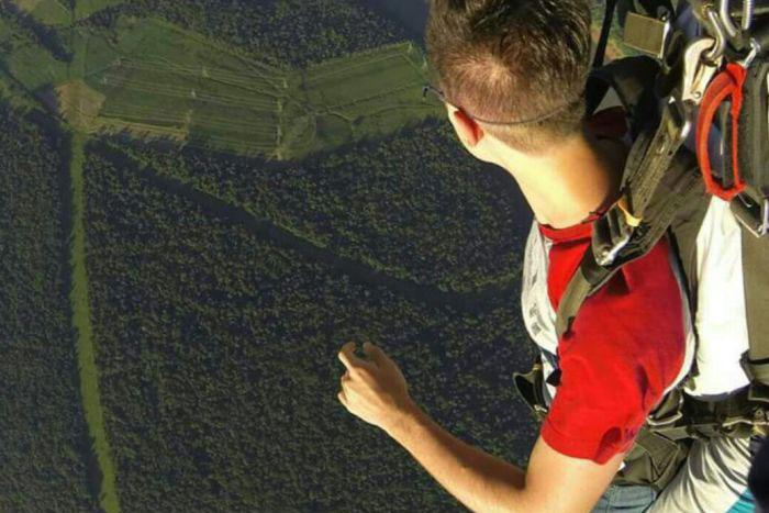Mais de 20 mil pessoas já saltaram de paraquedas com o SkydiveFoz