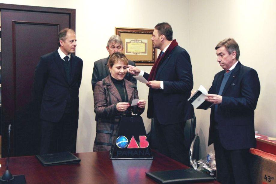 CAA/PR e OAB realizam sorteio de prêmios alusivos às comemorações do Dia do Advogado