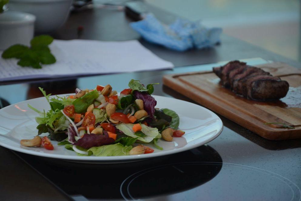 Thai Beef Salad é refeição completa e saborosa para o verão
