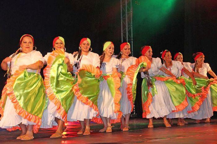 Festival Internacional de Dança da terceira idade movimenta Piratuba