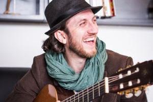 John Mueller faz show no Festival Santa Invasão neste fim de semana, em Curitiba