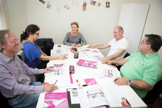 Público com 50 anos ou mais encara a sala de aula em busca de saúde e novo estilo de vida