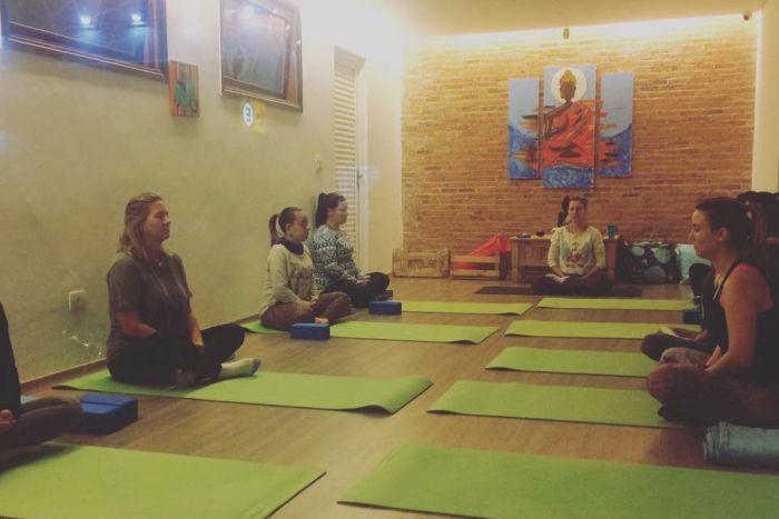 APEP firma convênio com empresa que oferece aulas de yoga e terapias